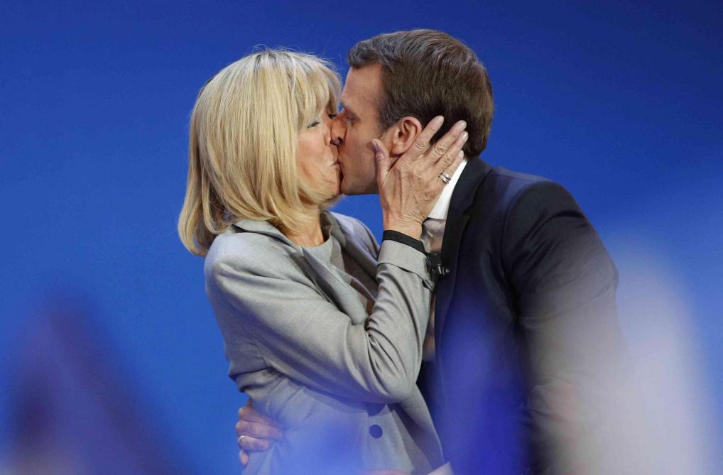David Jeanmotte décrypte le look Brigitte Macron. \u2039 \u203a