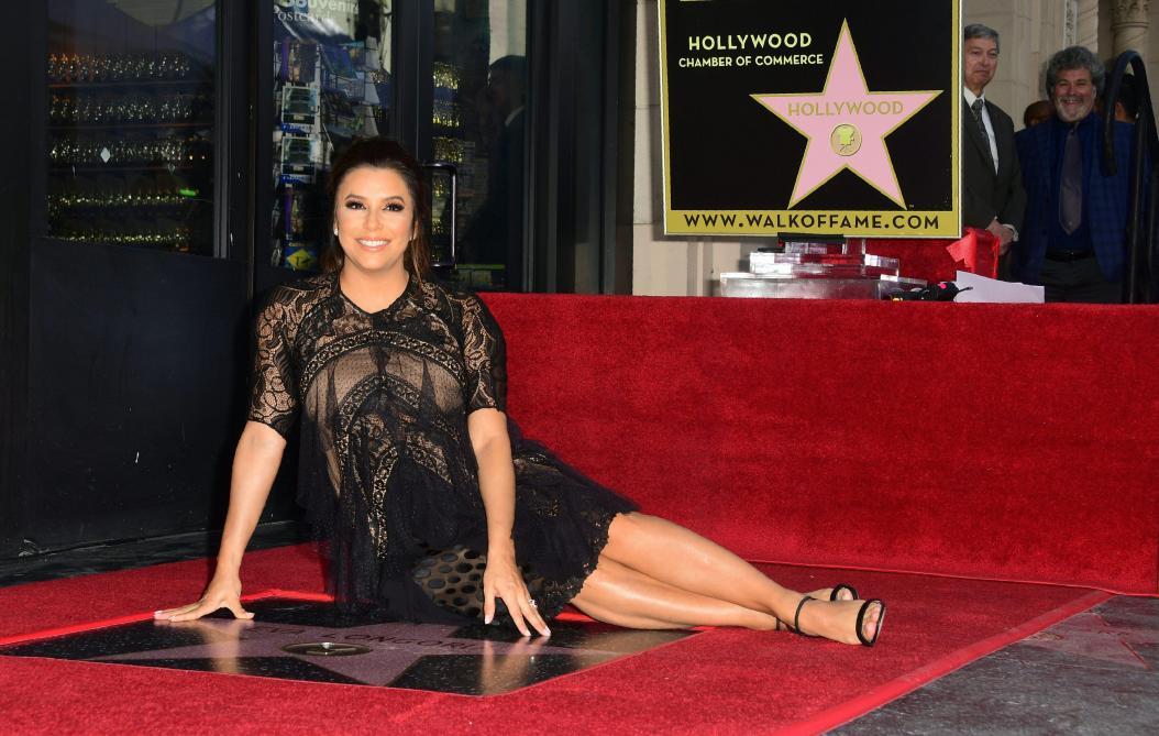 Eva Longoria a reçu une étoile à Hollywood !