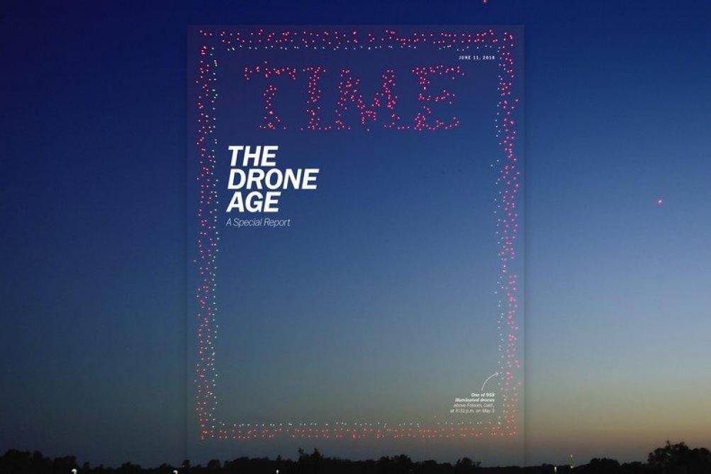Time fait la couverture à l'aide de 958 drones