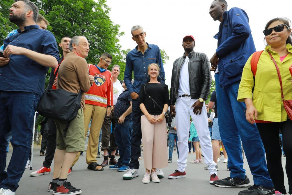 Les plus grands hommes du monde en balade à Paris - Autres