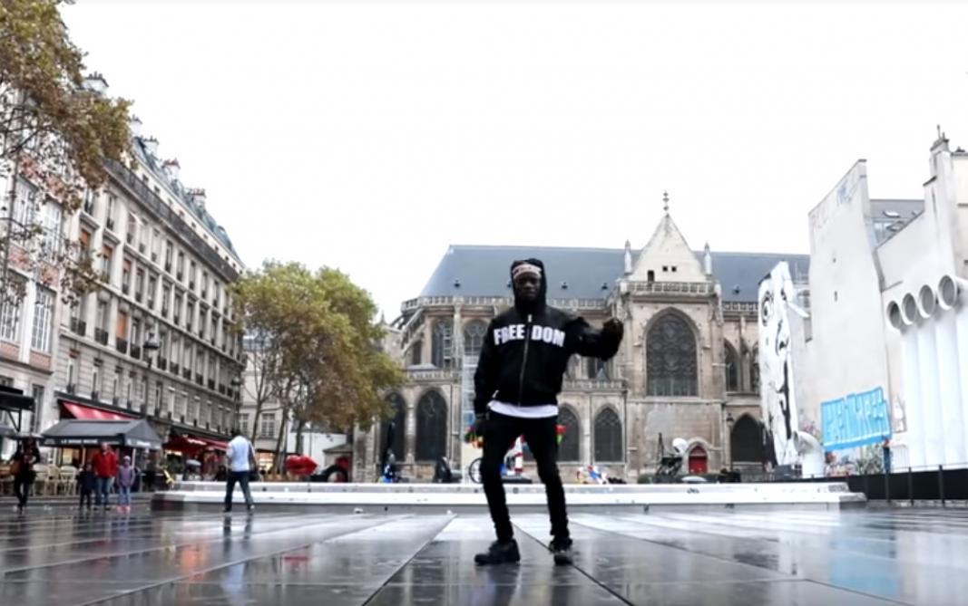 Un Français fait un buzz planétaire grâce à un moonwalk parfait (vidéos)