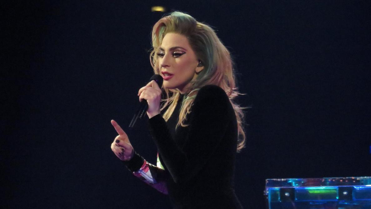 Elle s'en prend violemment à Donald Trump — Lady Gaga