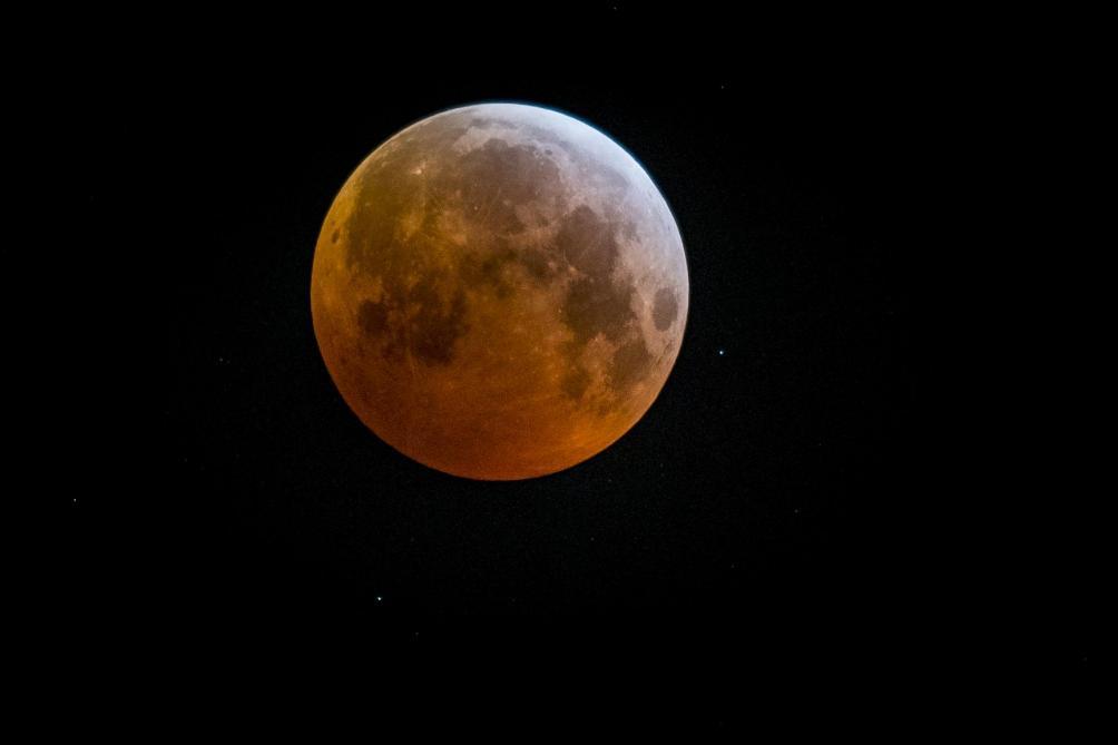 La Lune cache une énorme masse métallique sous son plus grand cratère