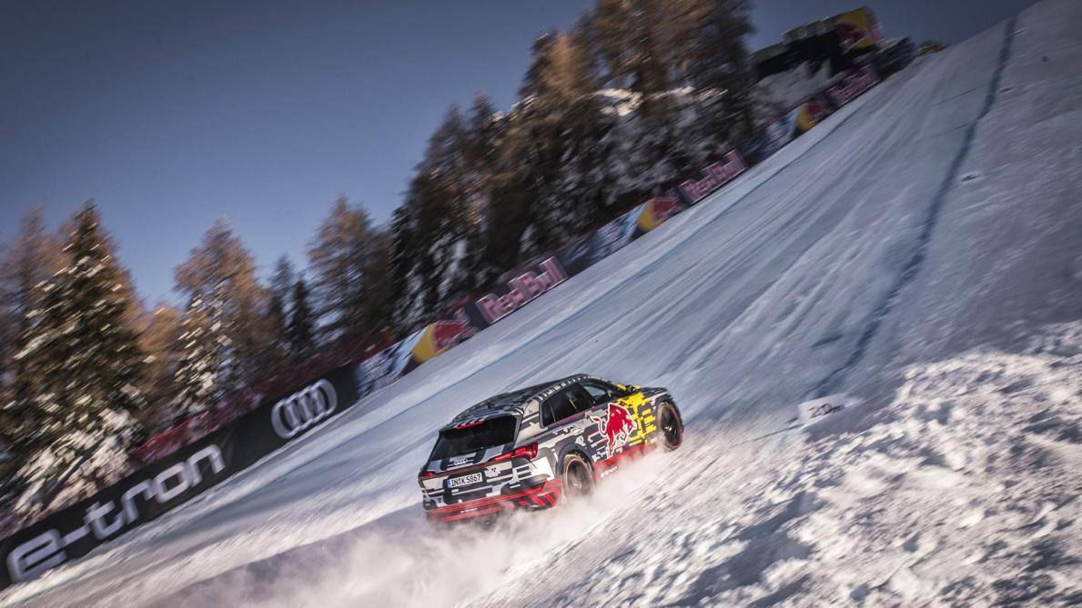 L'Audi électrique belge grimpe une piste de ski (vidéo)