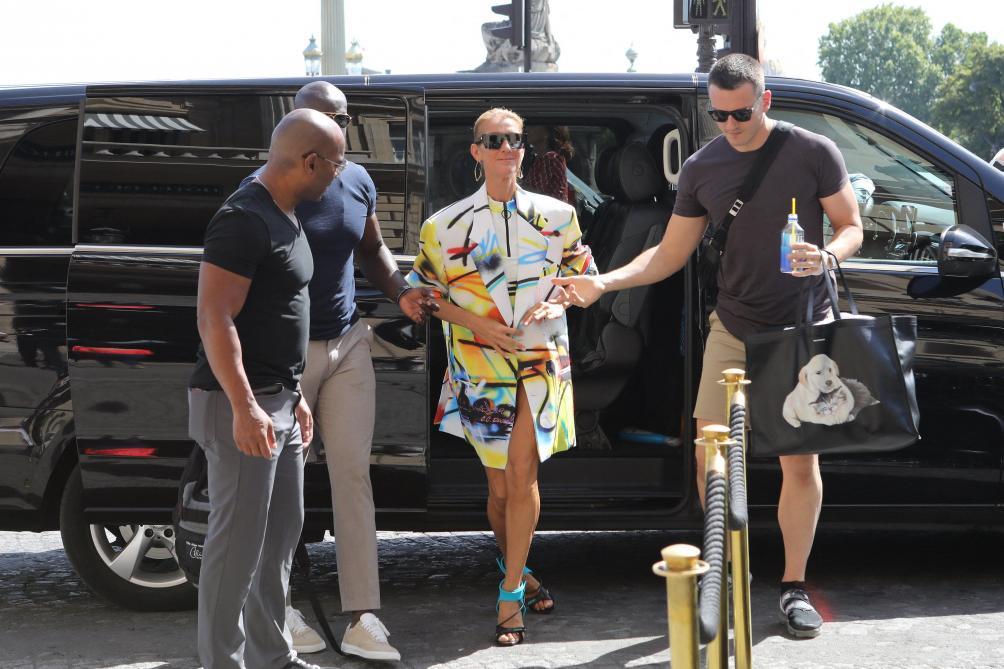 Fashion Week - Céline Dion s'éclate côté mode à Paris!