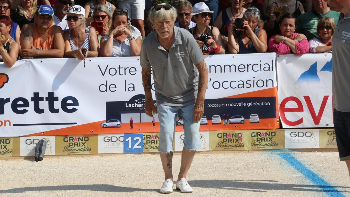VIDÉO - Renaud fait une rare apparition publique :