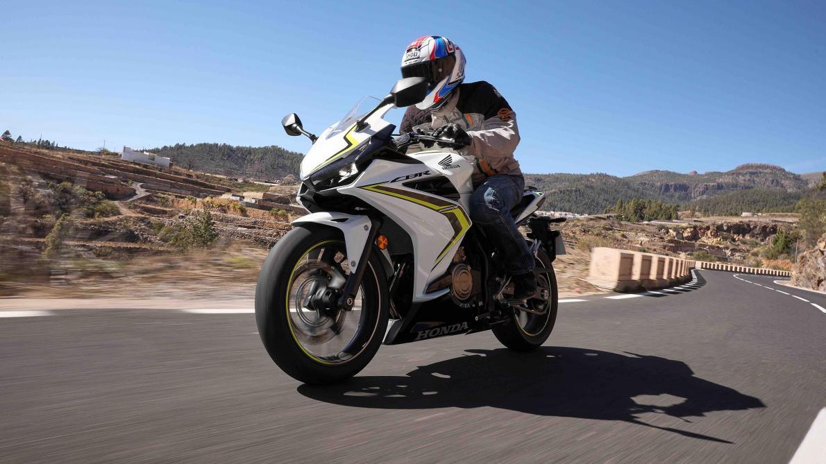 La Honda CBR500R: sportive et abordable? (vidéo)