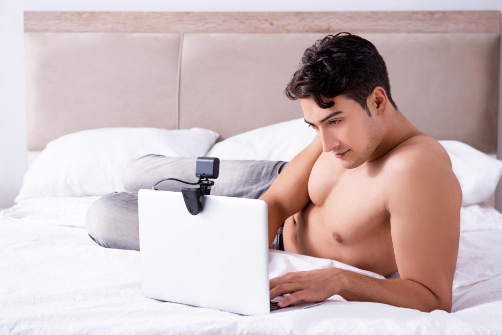 Le porno rend-il les hommes heureux?