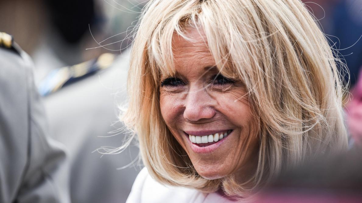 Brigitte Macron hospitalisée ... pour une opération de chirurgie esthétique — Rumeurs
