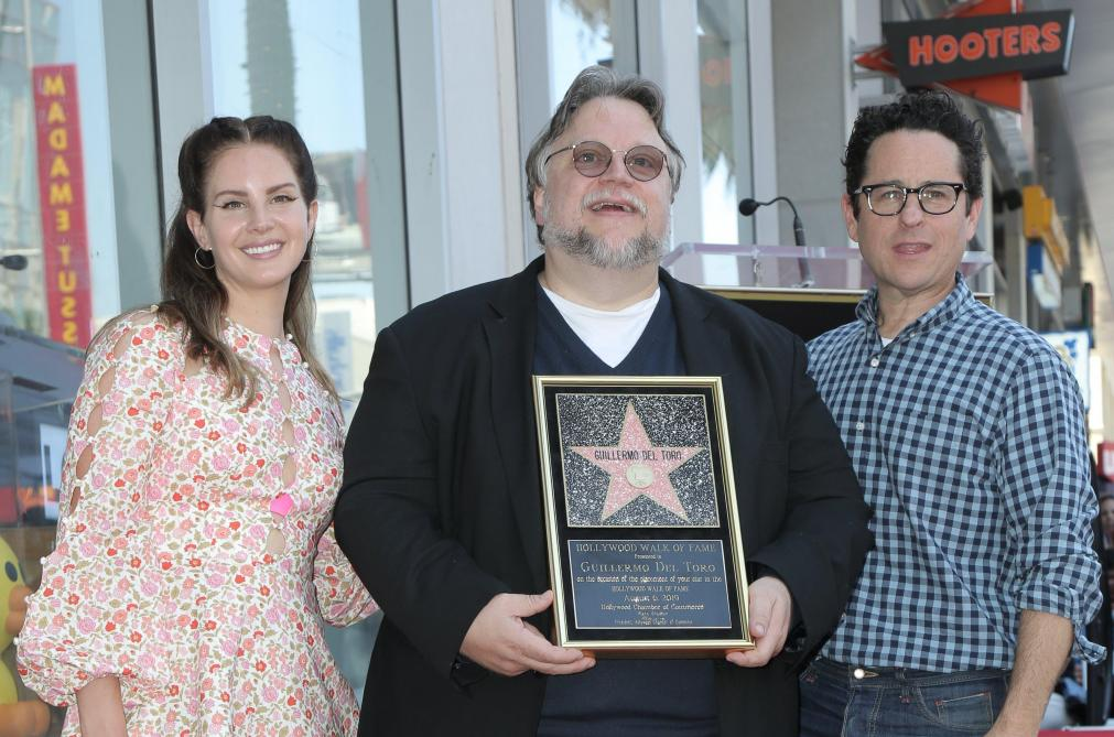 Guillermo del Toro reçoit son étoile et en profite pour tacler Trump