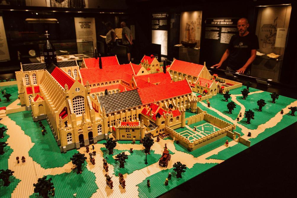 Ten Duinen, abbaye en ruines et en… Lego