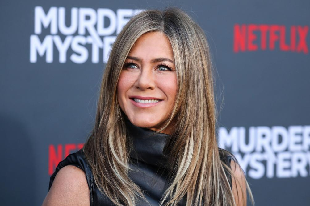 « Instyle » répond aux rumeurs selon lesquelles Jennifer Aniston serait trop bronzée sur la couverture du magazine (photos)