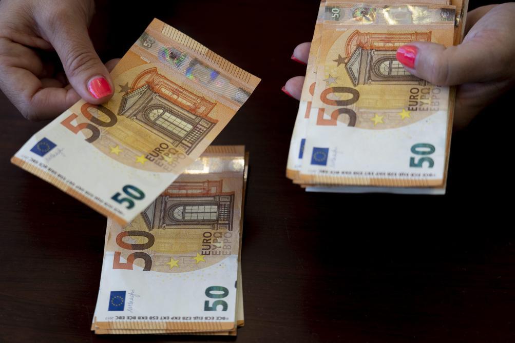 Une vieille dame lègue 2,5 millions d'euros à son village — Yvelines