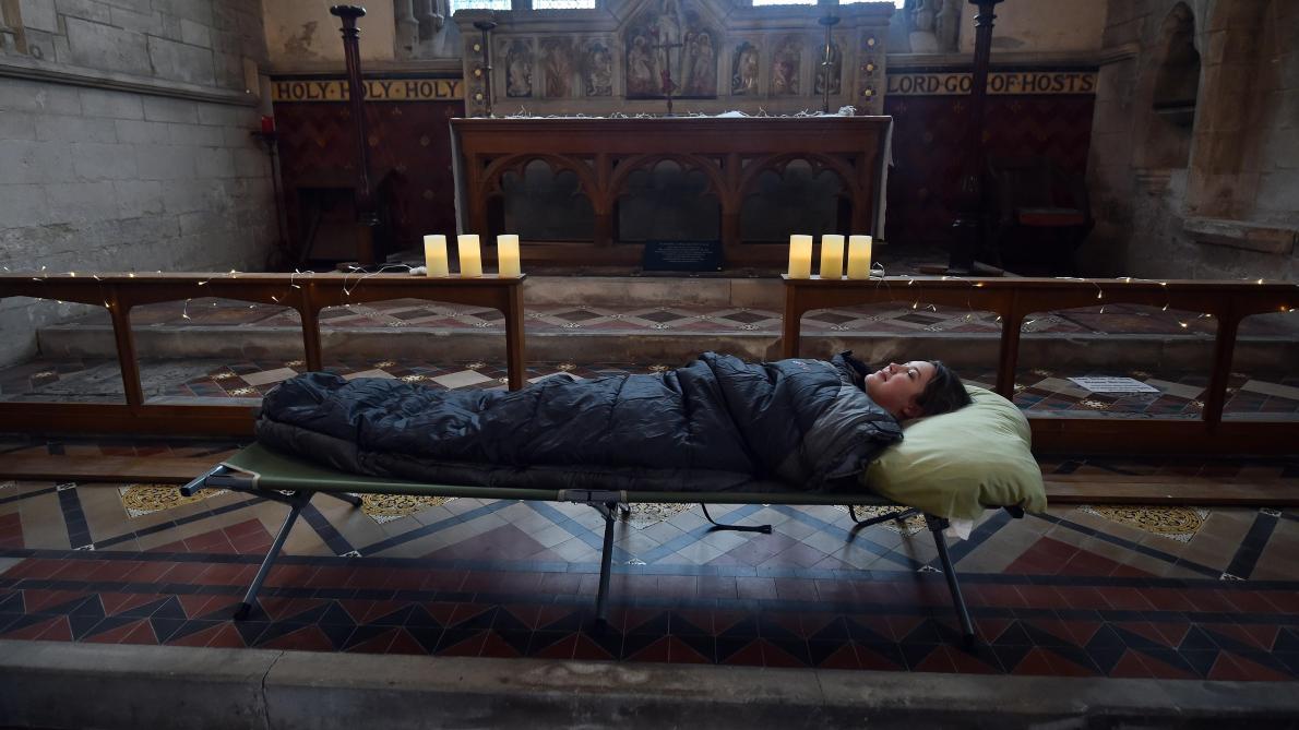 Camper dans une église? En Angleterre, c'est possible mais préparez-vous à une nuit d'épouvante (photos)