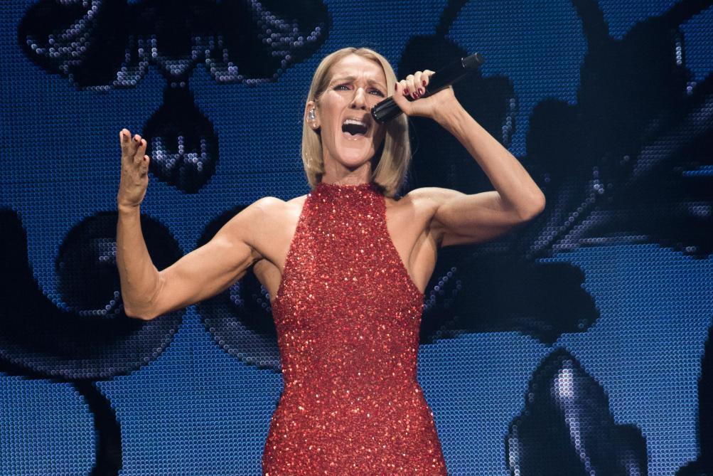 Céline Dion reporte des concerts à Montréal en raison d'un virus