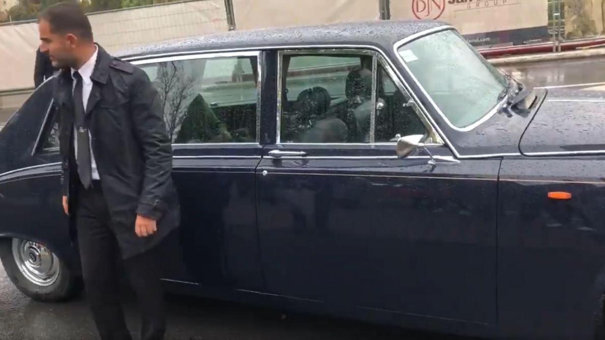 Visite d'État au Luxembourg: la voiture du roi Philippe et de la reine Mathilde a quelques soucis au démarrage (vidéo)