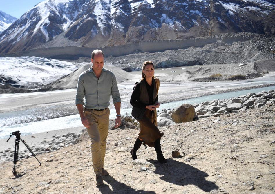 En visite sur un glacier, Kate et William déplorent les effets du réchauffement climatique