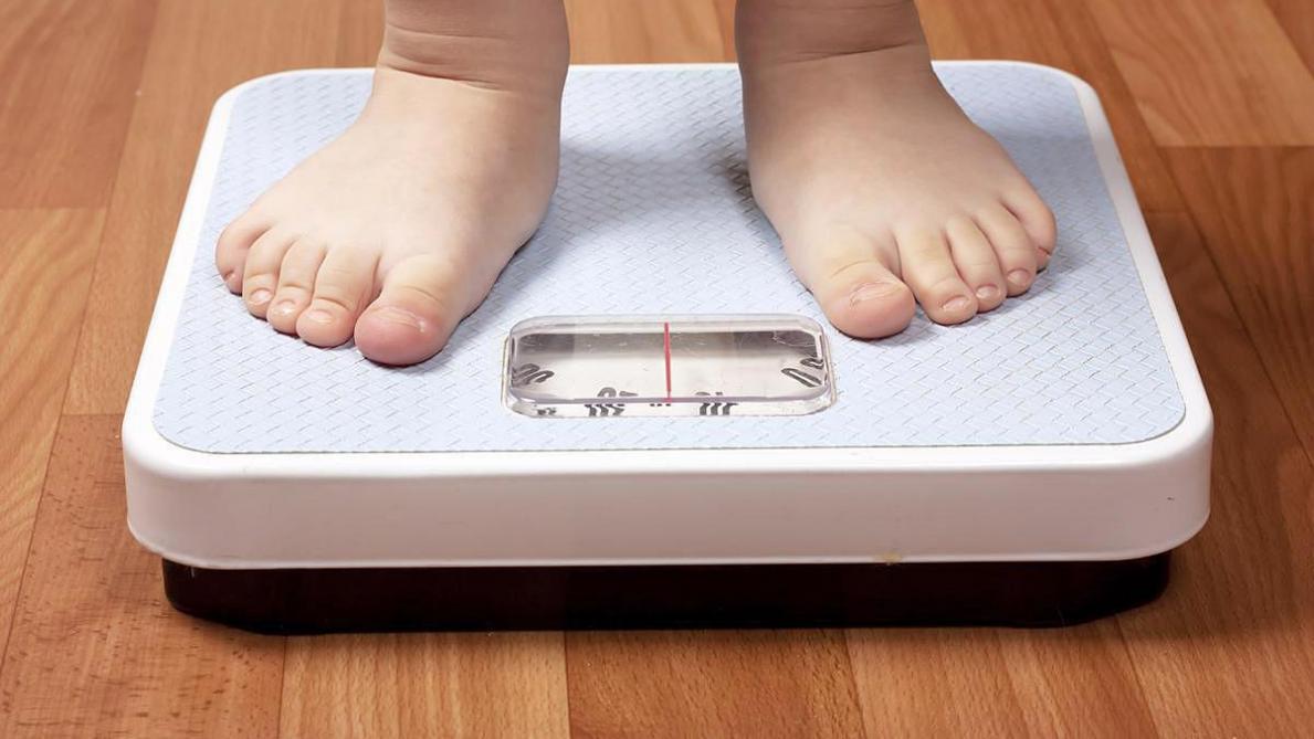 Air de familles: déceler, dès le plus jeune âge, les risques d'obésité