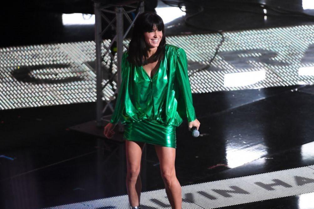 Jenifer interrompt son concert pour stopper une bagarre dans le public (vidéo)