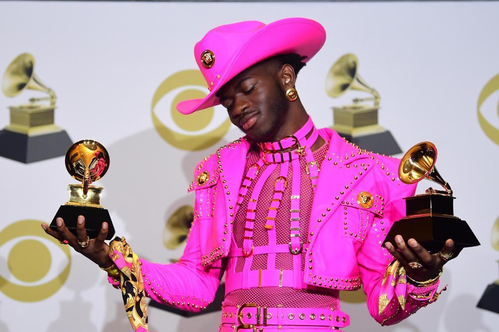 Découvrez les tenues les plus étonnantes et élégantes des Grammy Awards (photos et vidéo)