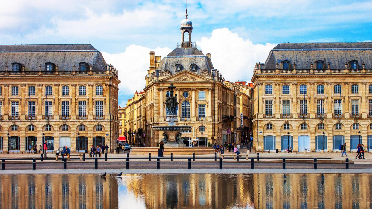 Bordeaux, ville entre vins et architecture