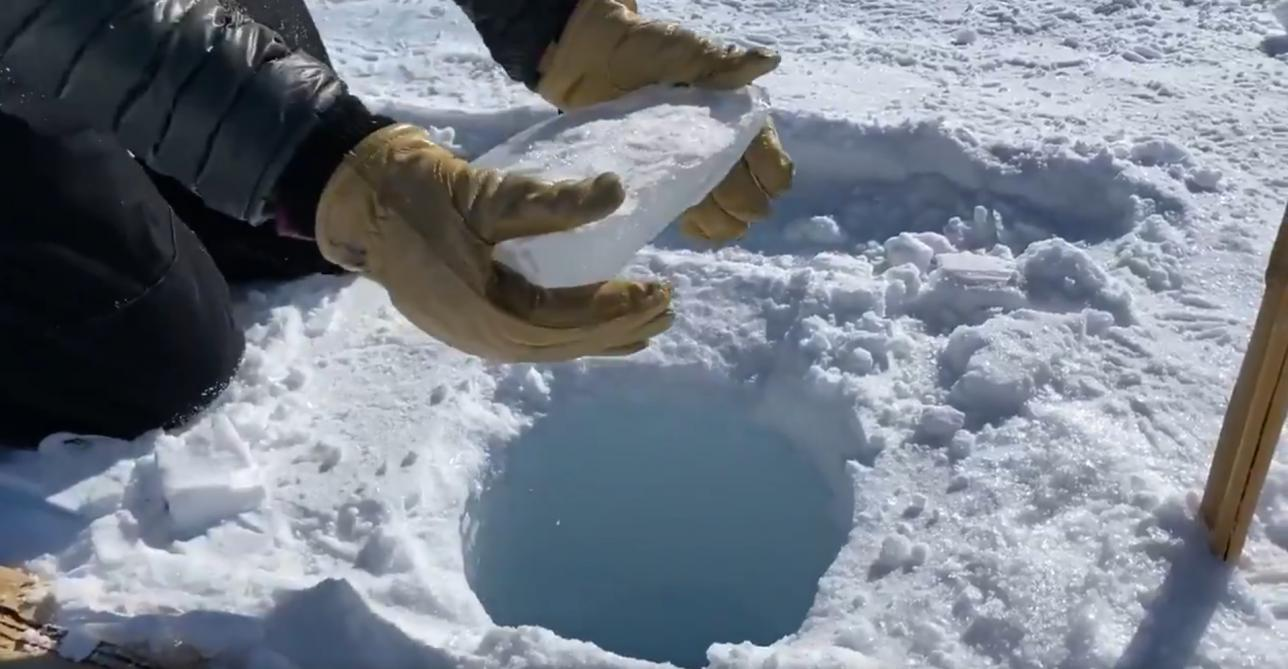 L'étrange son produit par la chute d'un bloc de glace, digne de Star Wars (vidéos)