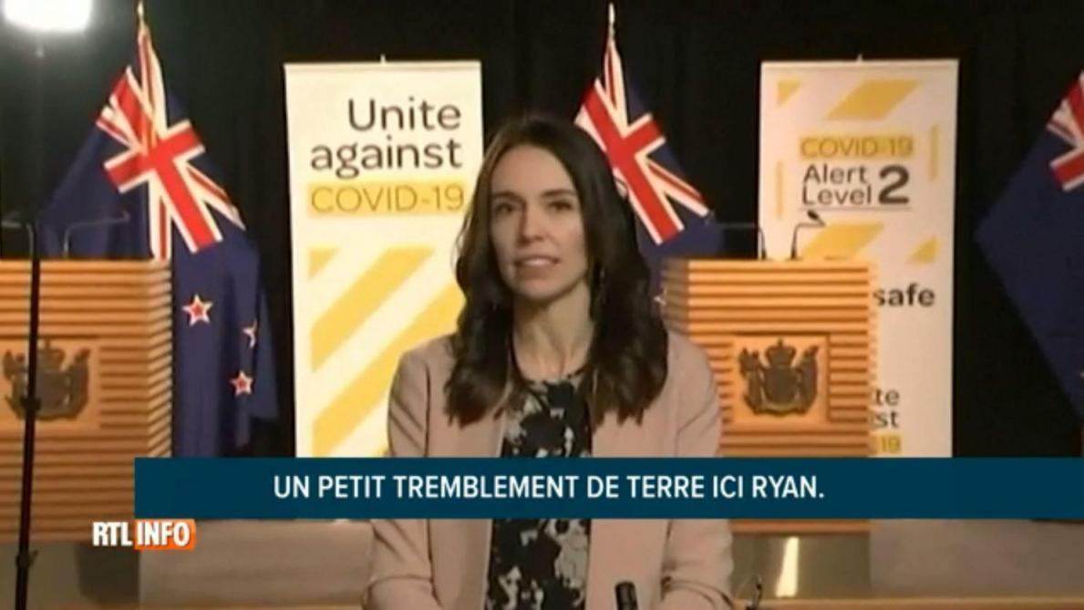 En Nouvelle-Zélande, la Première ministre ressent un tremblement de terre en plein direct à la télévision (vidéo)