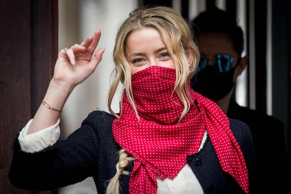 L'actrice Amber Heard reconnait avoir frappé Johnny Depp