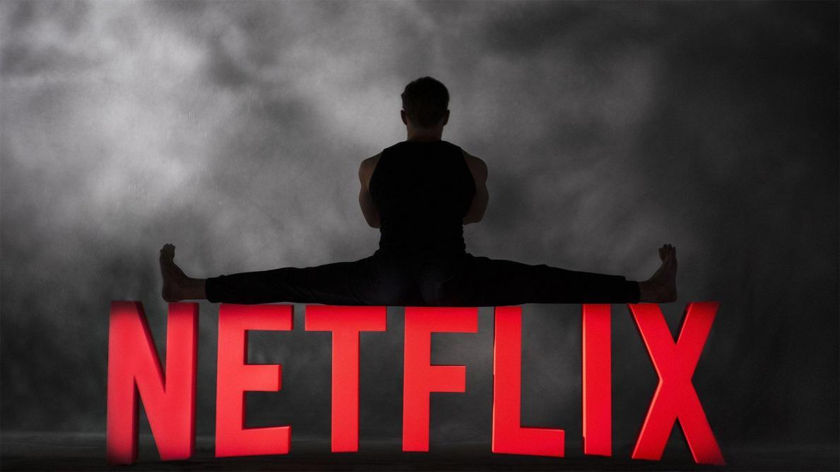Jean-Claude Van Damme tourne la comédie d'action Le Dernier Mercenaire — Netflix