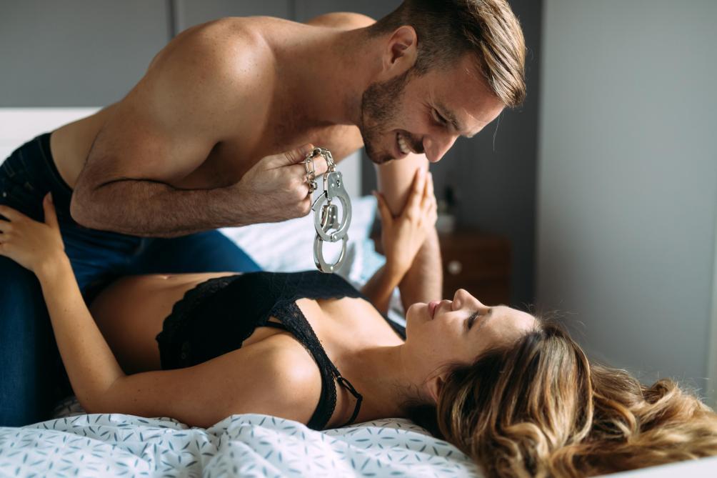 Sexe: pourquoi aimons-nous (un peu) la brutalité?