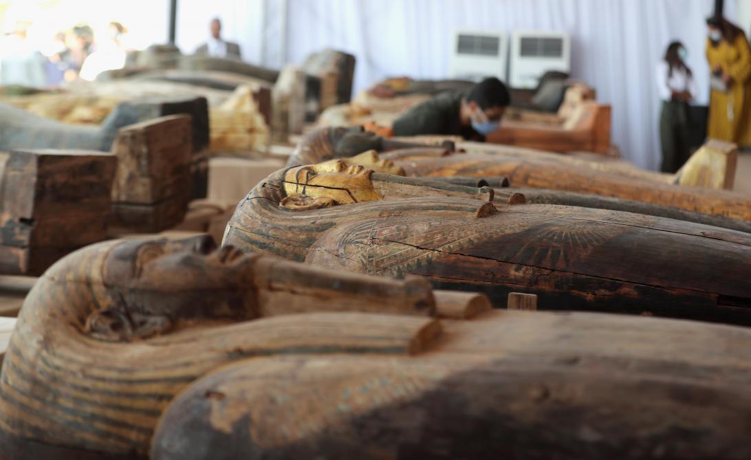 L'Egypte dévoile 59 sarcophages intacts, affirmant que c'est