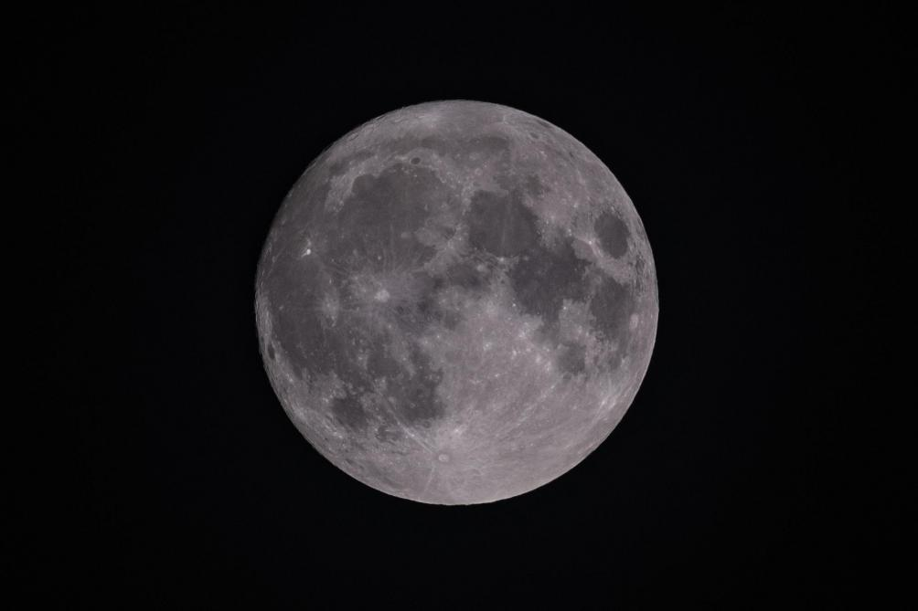 Lune: la Chine va lancer une sonde pour ramener des échantillons