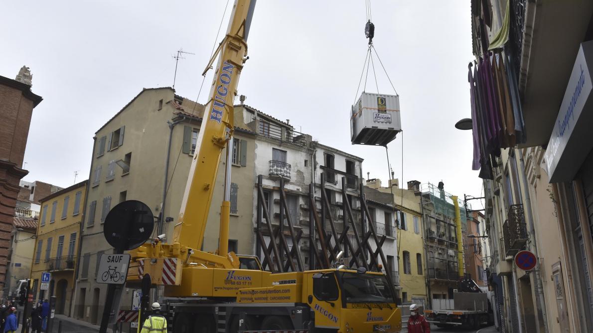 L'homme de 300 kg évacué de son domicile avec une grue