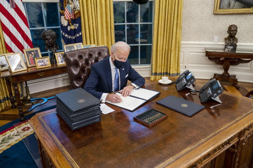 Covid-19: nouvelle interdiction d'entrée aux Etats-Unis pour les voyageurs européens
