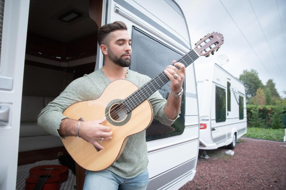 Le chanteur Kendji Girac annonce la naissance de sa fille — Dordogne