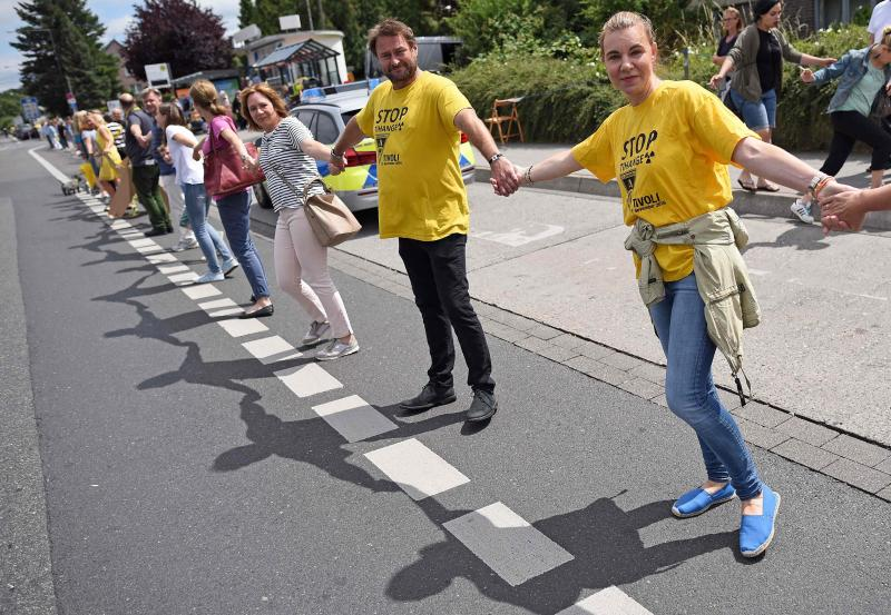 CORRECTION-GERMANY-BELGIUM-NETHERLANDS-NUCLEAR-PROTEST