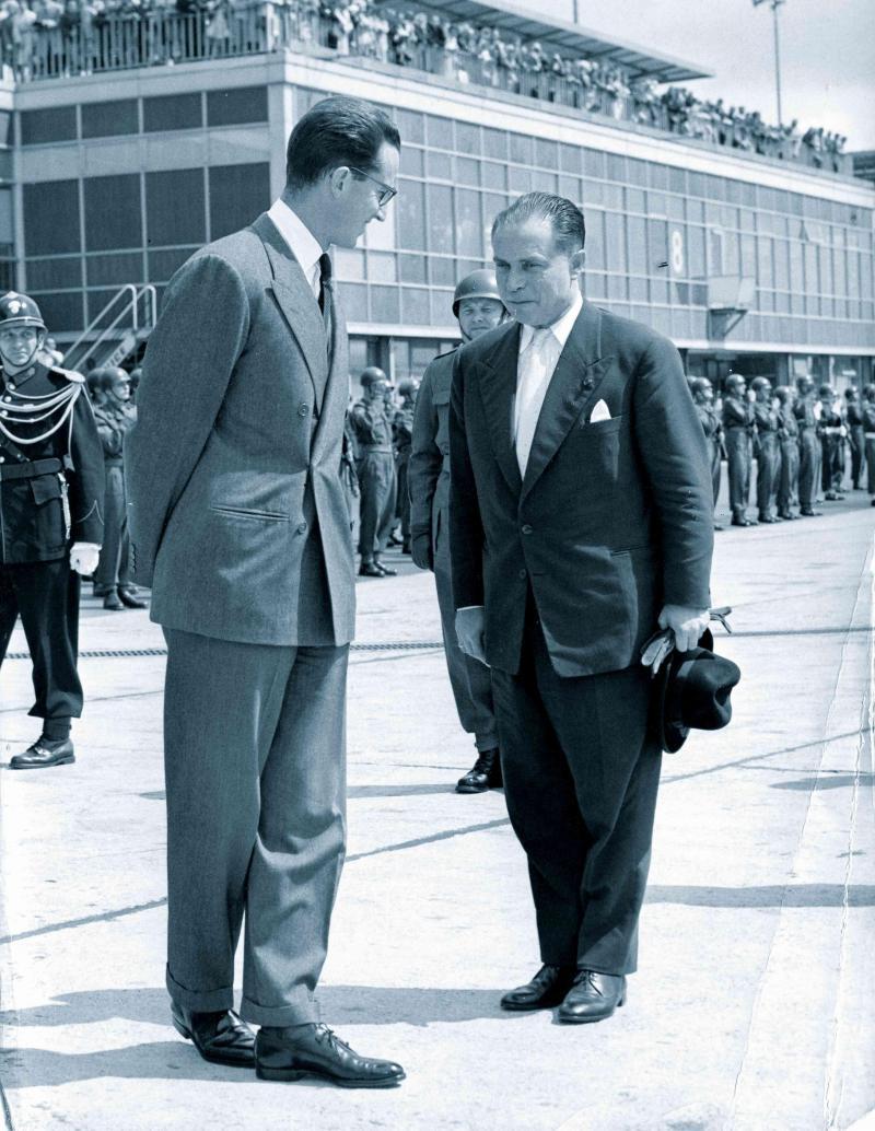 Le roi Baudouin et le Premier ministre Gaston Eyskens de retour des cérémonies entourant l'indépendance du Congo.