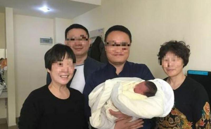Ce bébé est né 4 ans après la mort de ses parents dans un accident de voiture