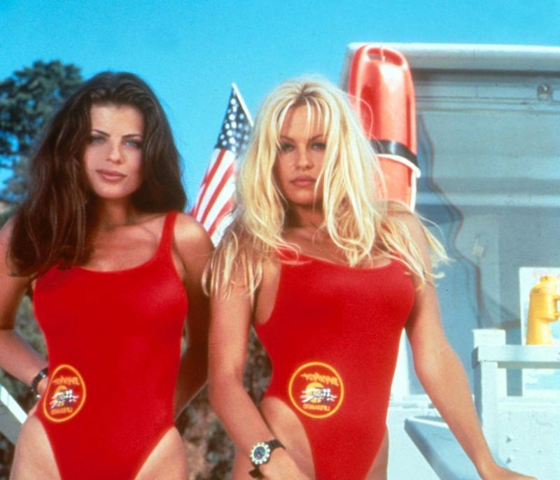 «Alerte à Malibu»: Pamela Anderson porte toujours son célèbre maillot rouge